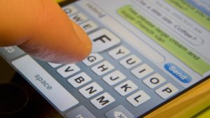smartphone-text-messaging